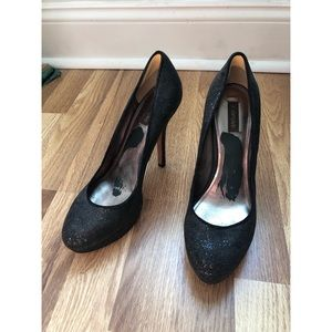 Joan & David Black Round Toe Platform Flipp Heels
